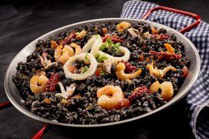 repas traditionnel riz noir