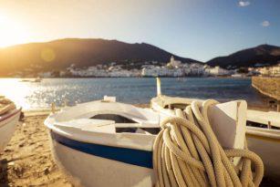 barque plage Cadaqués