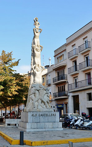 monument castell tradition