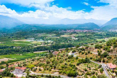 Vue aérienne paysage village Catalogne du Nord