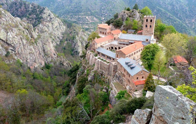 saint martin du Canigou abbaye montagne casteil découvrir randonnée