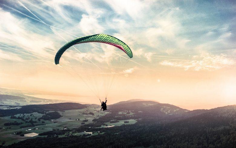 parapente pyrénées orientales sensation vide chute libre et sport extreme