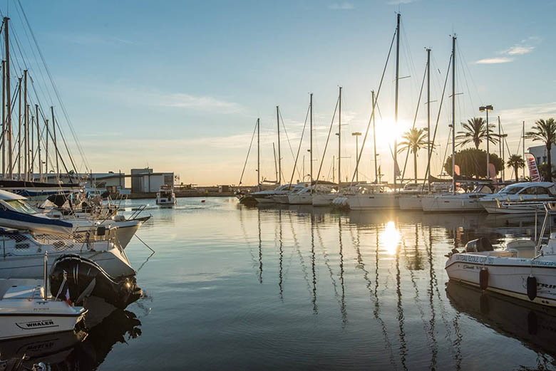 capitainerie vue mer saint cyprien