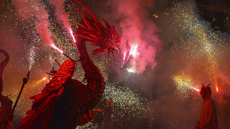 correfocs dragons feu d'artifice