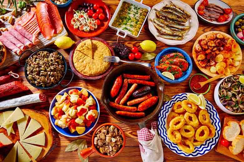 tapas-espagne-tortilla-serrano