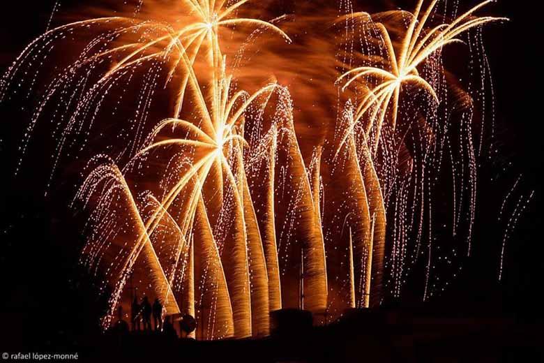 tarragone espagne feu d'artifice festivité