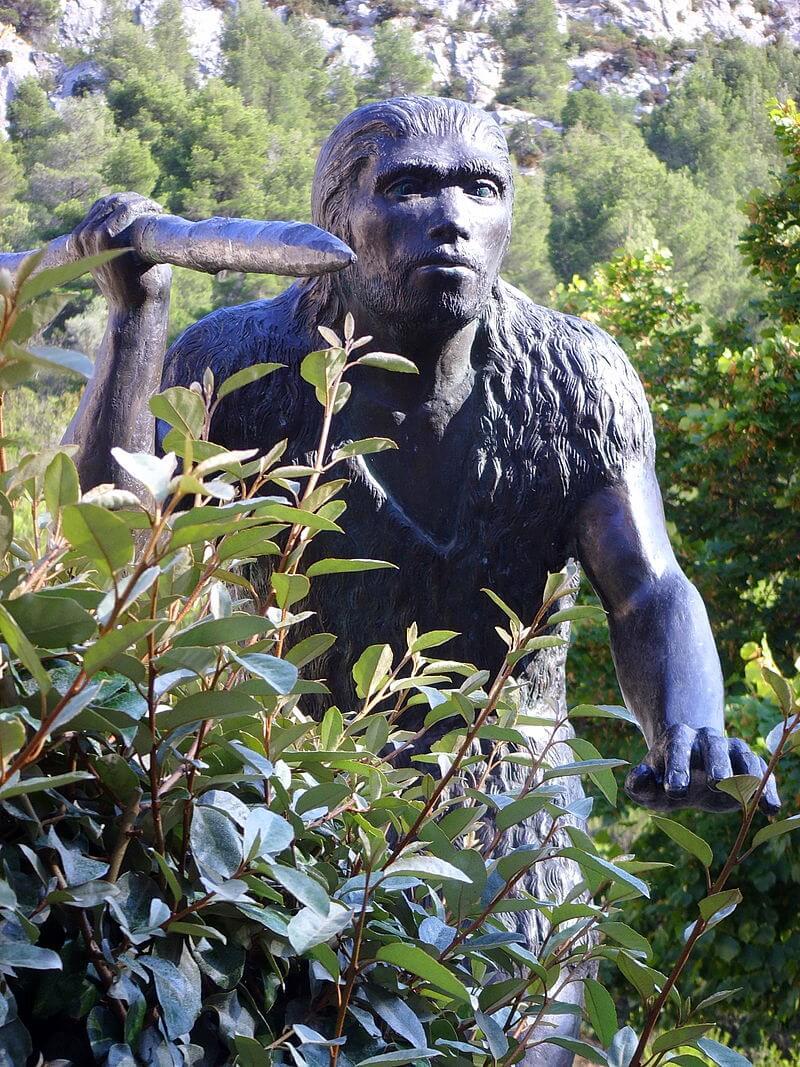 Statue préhistoire Pyrénées Orientales