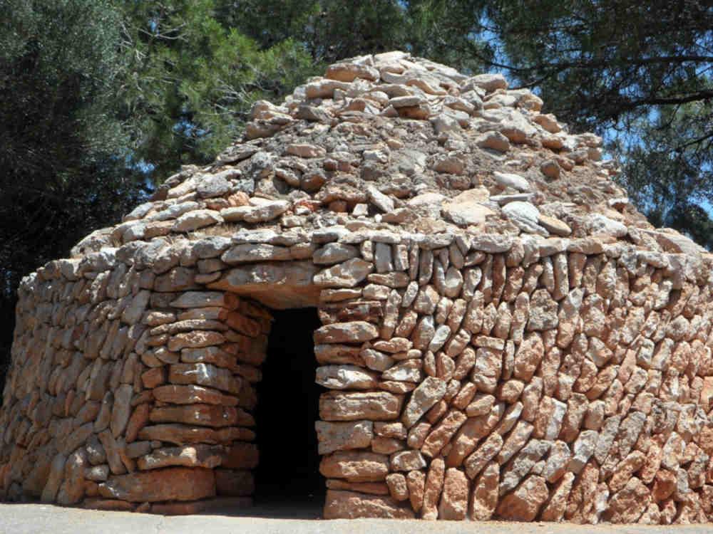 pierre pyrénées orientales