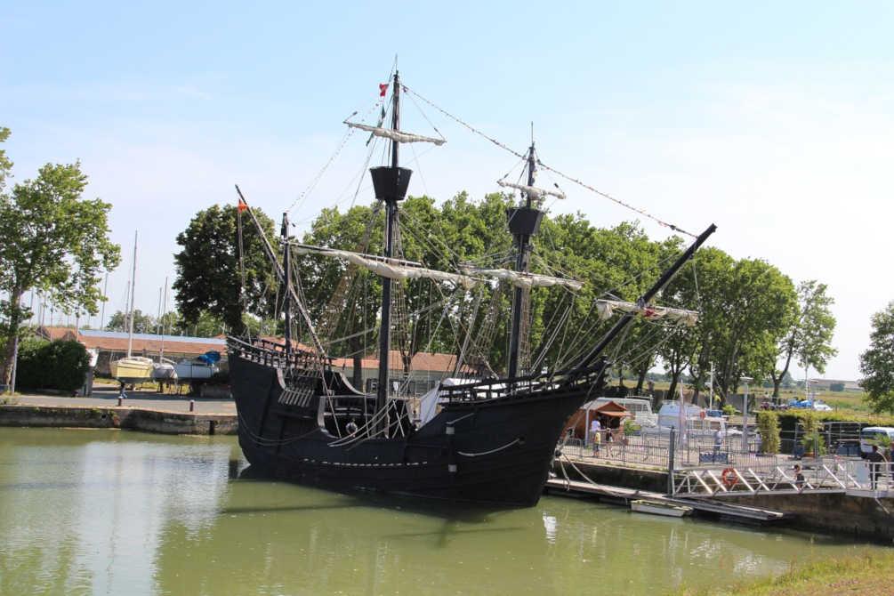 Accostage quai eau Port Vendres