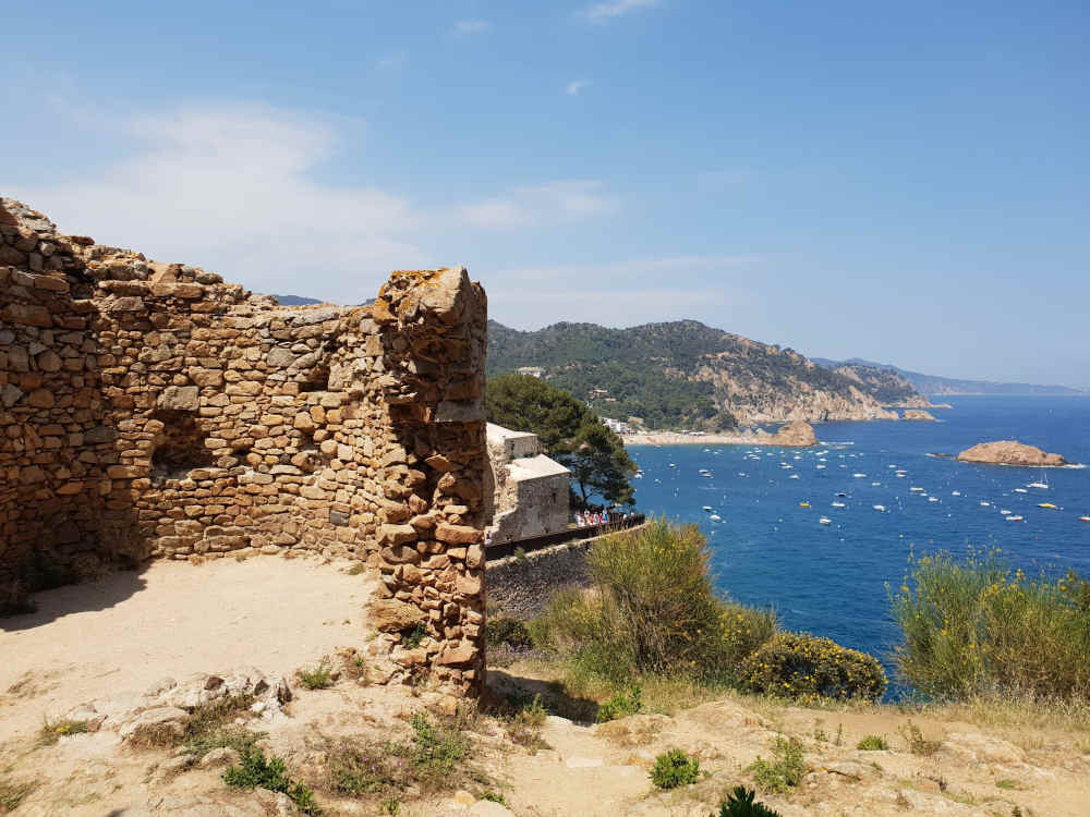 tossa de mar village patrimoine tourisme