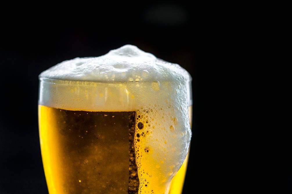 verre bière blonde
