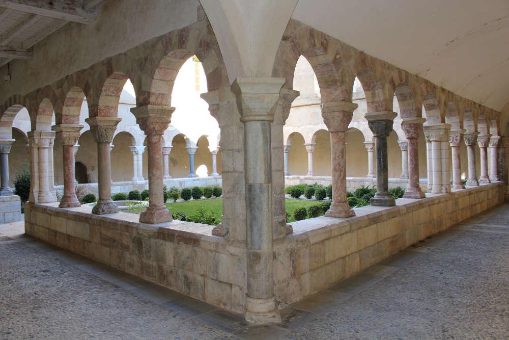 saint génis des fontaines occitanie tourisme