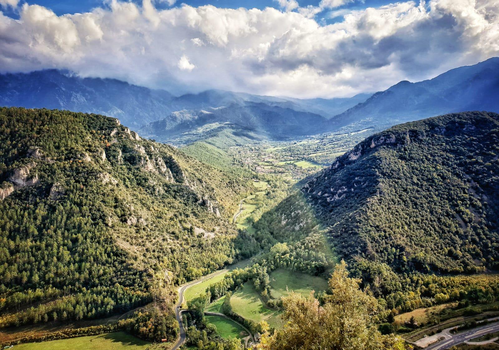 Panoramique montagne Grottes Villefranche