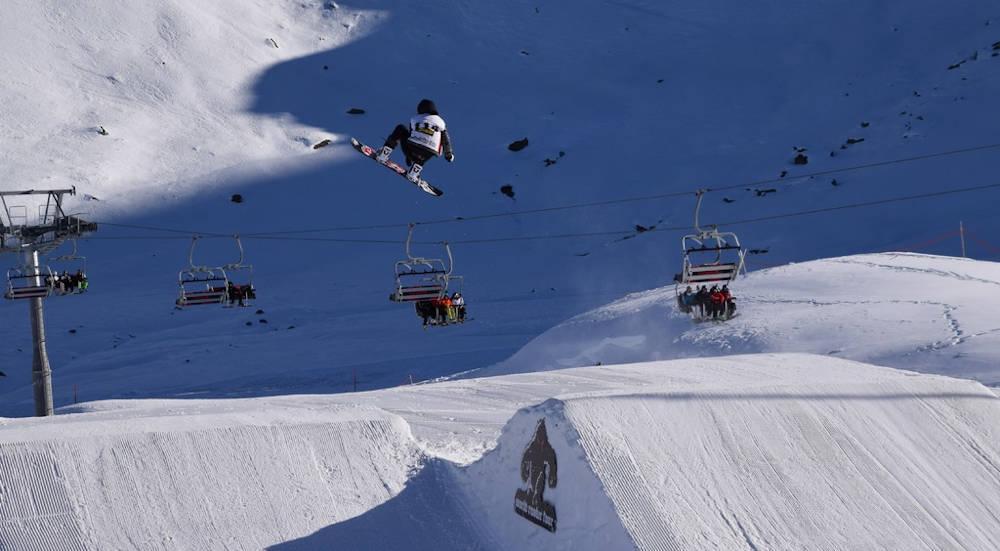 piste ski snowboard