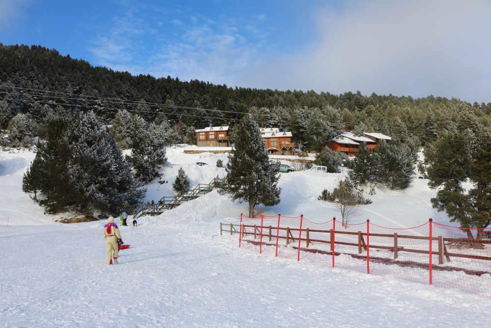 montagne neige station catalane nature tourisme vacances d'hiver occitanie