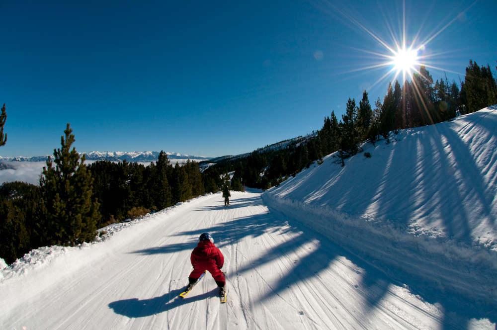 piste montagne pyrénées orientales skieur vacances d'hiver