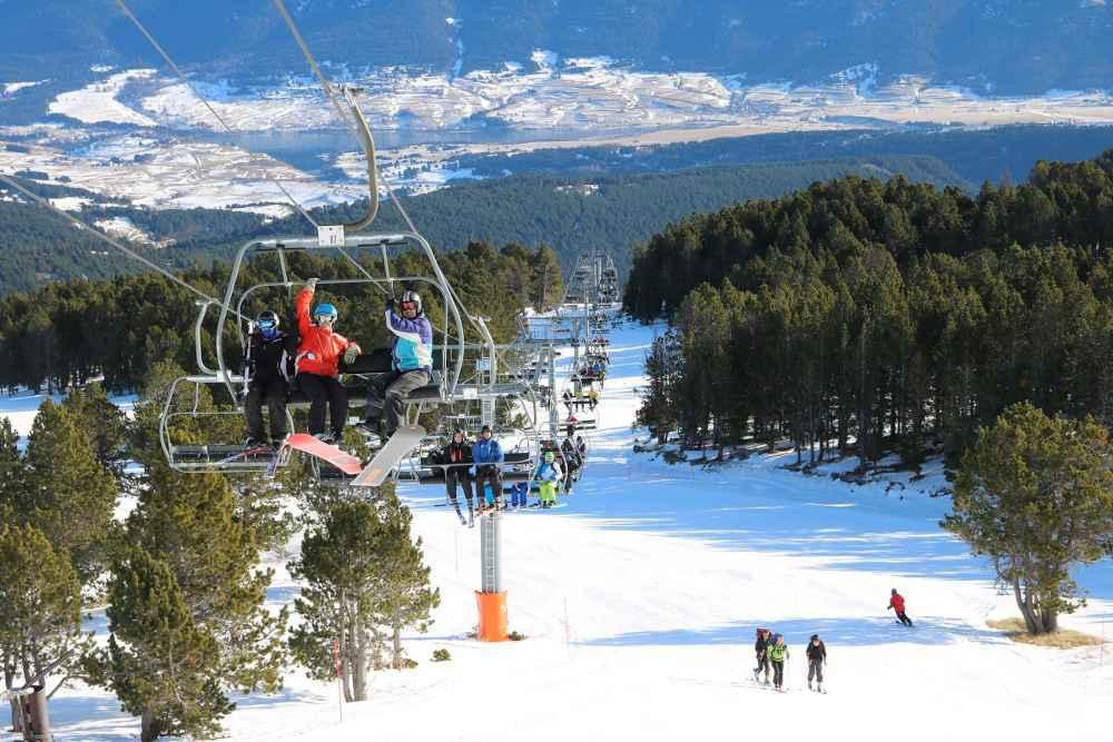 teleferique ski neige pays catalan station familiale