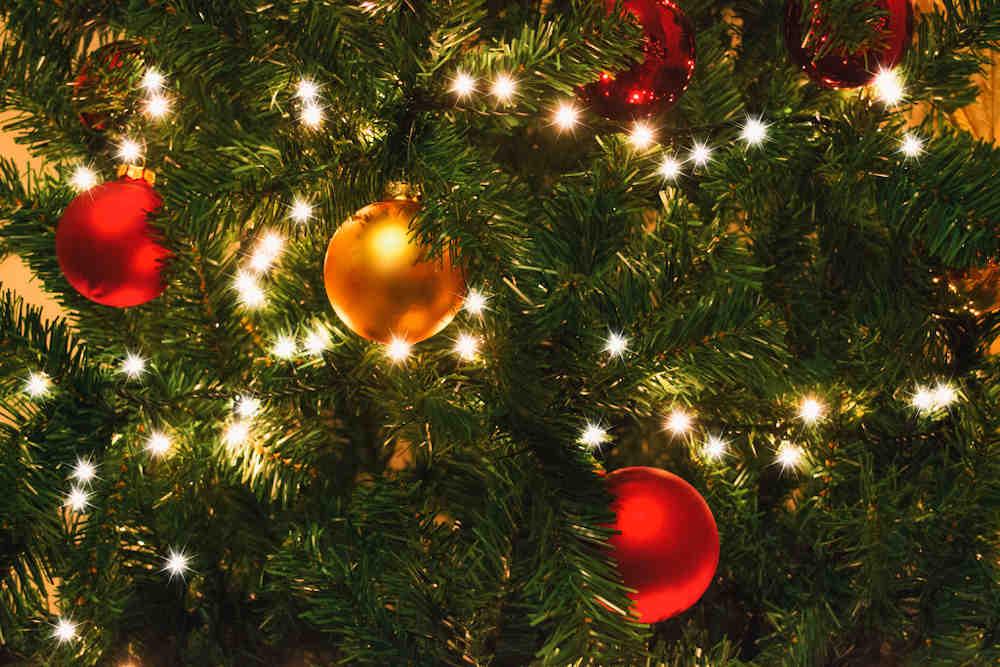 fêtes Noël cataluny sapin boules