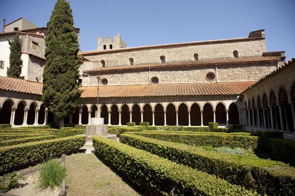Abbaye d'Arles-sur-Tech patrimoine culturel pyrénées orientales