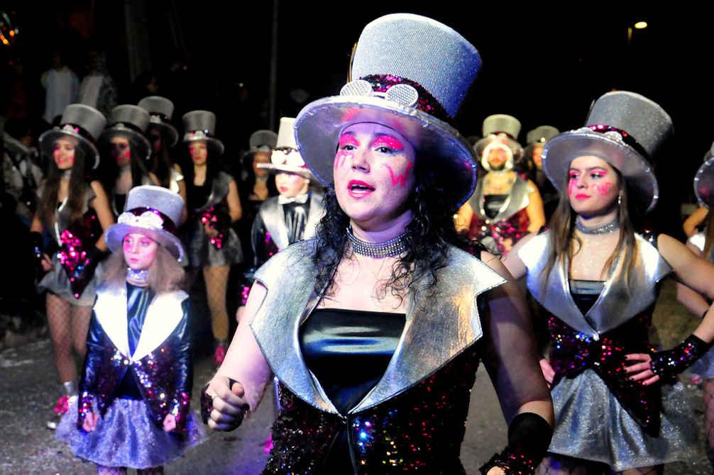 carnival parade masque déguisements pyrénées orientales