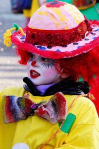 masque carnaval confettis déguisement pays catalan