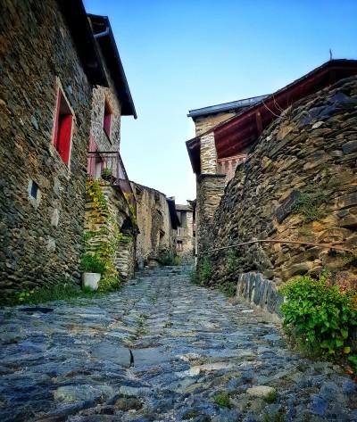 occitanie vacances quoi voir médiéval pierres charmant