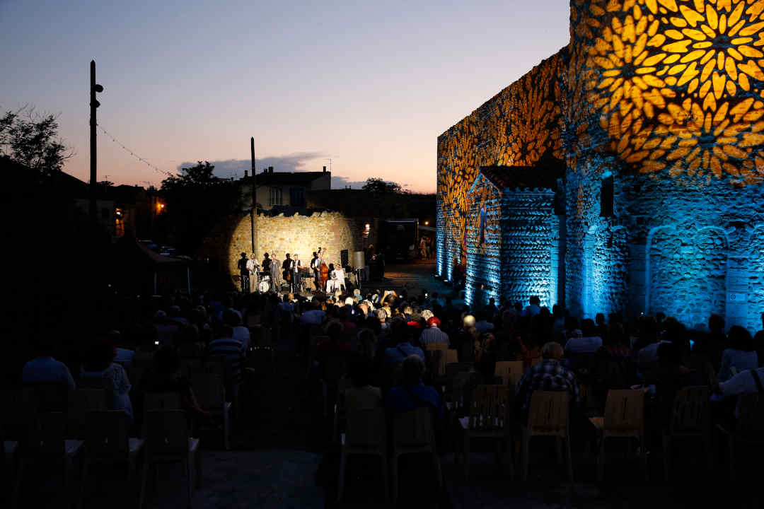 château événement musique concert plein air