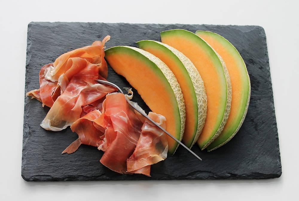 assiette melon jambon tranche