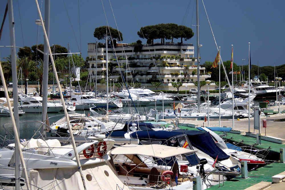 vacances méditerranée catalogne port