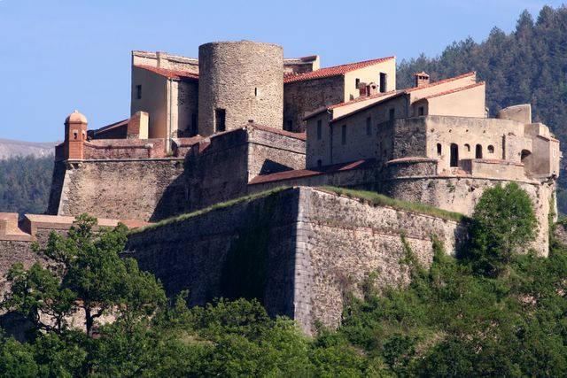 pays catalan pyrénées orientales médiéval patrimoine