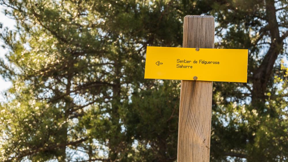panneau de balisage sentier de Falguerosa à Sahorre